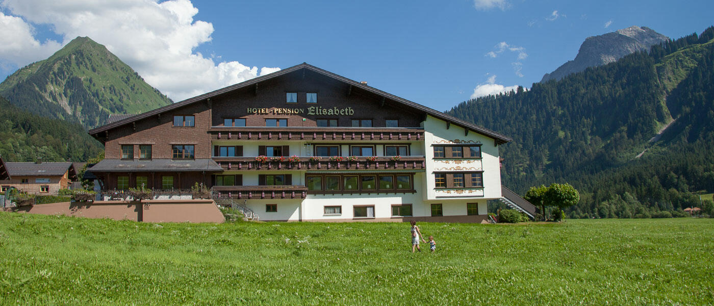 Hotel Elisabeth in Schoppernau - Guest house & 3* Hotel Bregenzerwald - external view in summer